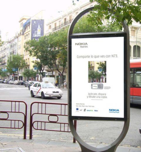 El mobiliario urbano se convierte en un fotomatón gigante gracias a Nokia
