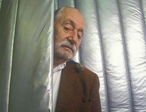 Addio al 2007, addio a Ettore Sottsass.