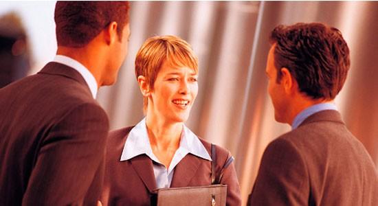 El contacto personal es también importante en la presencia online.