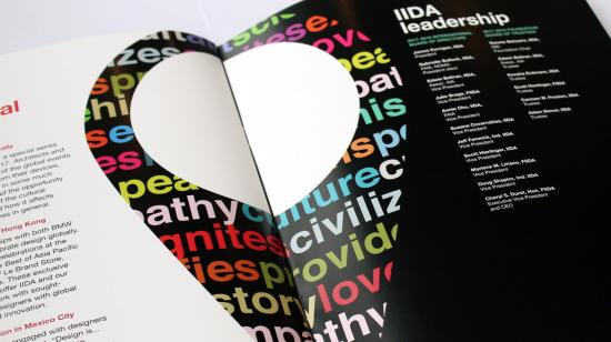 Interior del folleto del Manifiesto de diseño de IIDA