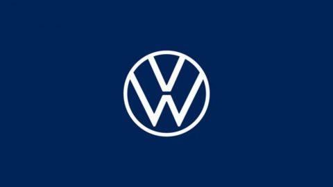 Volkswagen, pierde volumen y gana en línea