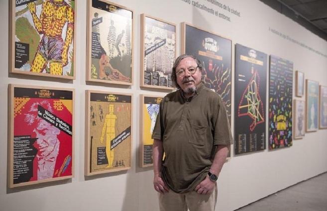 Alberto Corazón y algunos de sus carteles